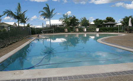 River-Glen-Haven-Retirement-Lifestyle-Village-Swimming-Pool